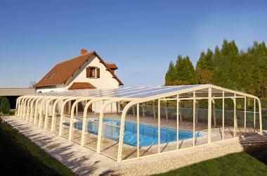 L'abri de piscine grande portée pour des grande piscine ou des grands rêves !